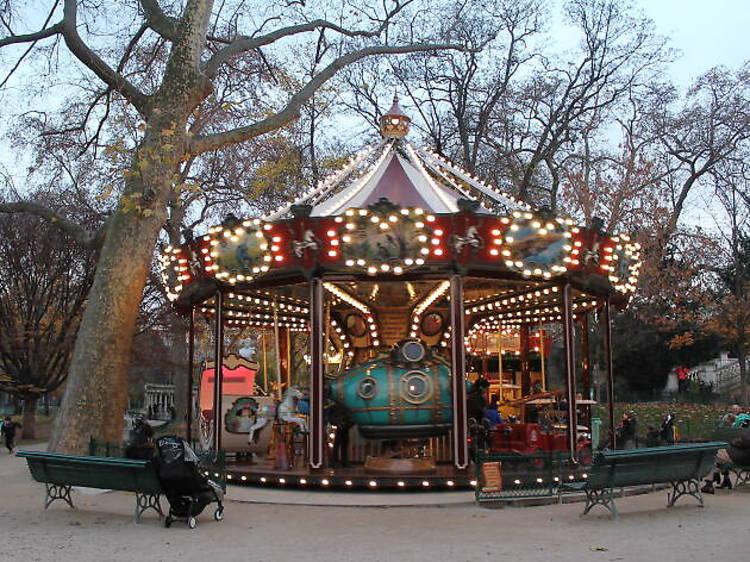 Le manège du parc Monceau