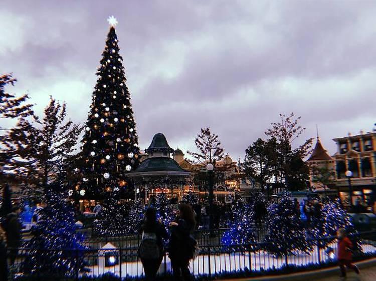 10h45 : arrivée à Disneyland Paris