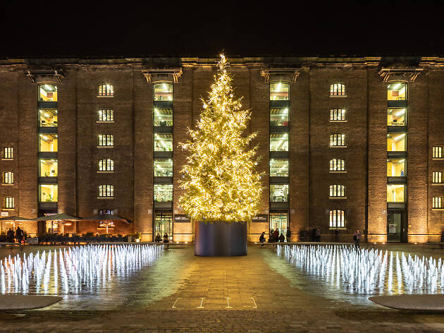 Christmas Tree and fountains, Granary Square, King's Cross