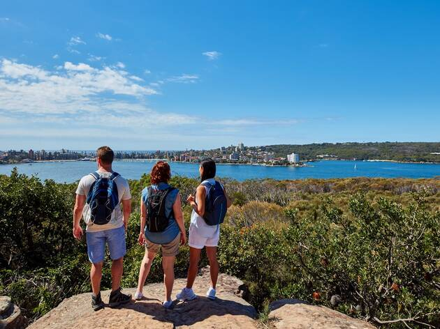 Friends enjoying the Spit Bridge to Manly walk