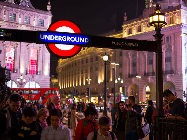 Everything you need to know about public transport in London over the festive period