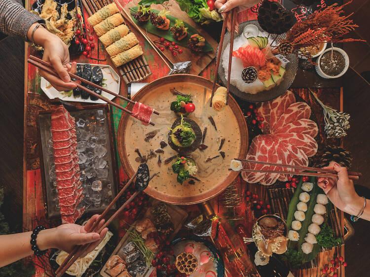 酒鍋:節日火鍋盛宴