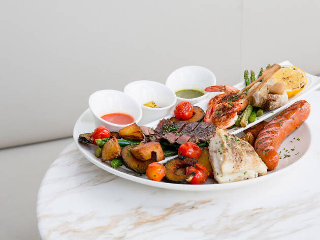 White plate iconsiam