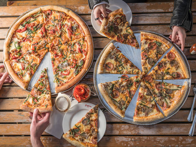 Pizza at Linguini Fini
