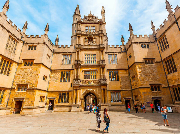 Get spell-bound on a Harry Potter locations tour