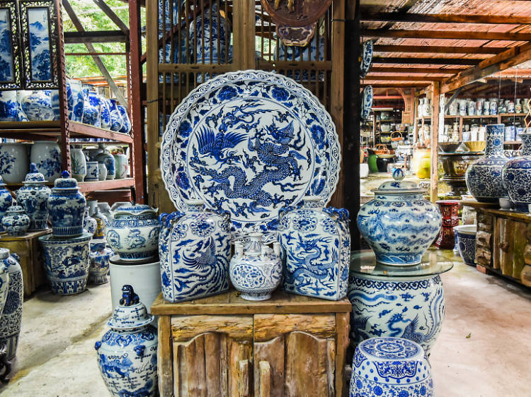 Bring home a piece of history from Thow Kwang Pottery
