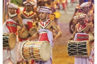 Drummers heralding the Perahera