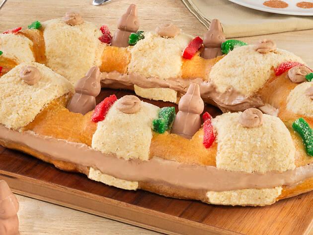 Rosca de reyes rellena de chocolate y conejitos Turín de Superama