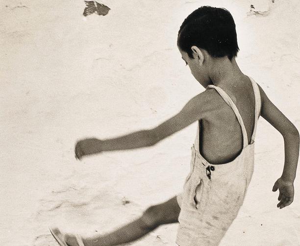 'Nen d'Eivissa', d'Oriol Maspons