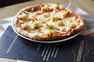 Pecatta Pizza