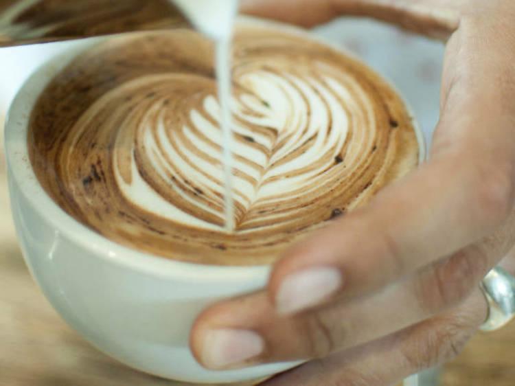 Baristas, torréfacteurs... Où boire le meilleur café de Paris ?