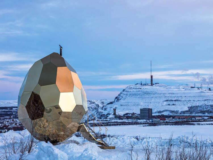 """""""Solar Egg"""", uma sauna do outro mundo em Kiruna"""