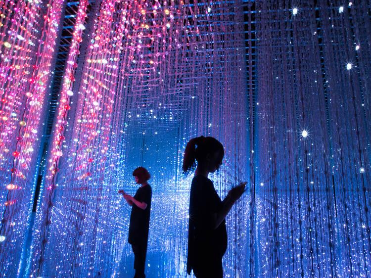 Experiencie arte de alta tecnologia na exposição Future World