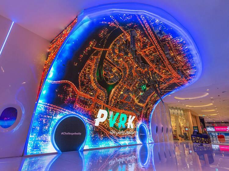 Socialize com monstros no VR Park do Dubai
