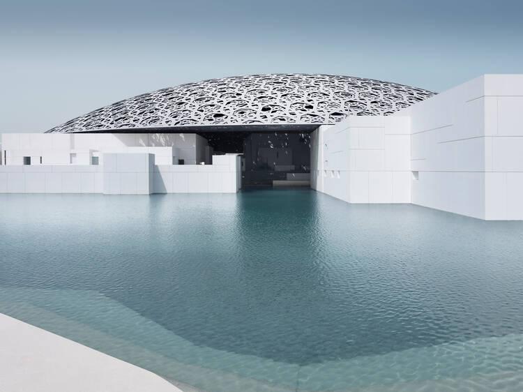 Maravilhe-se com a arquitectura (e a arte) do Louvre Abu Dhabi