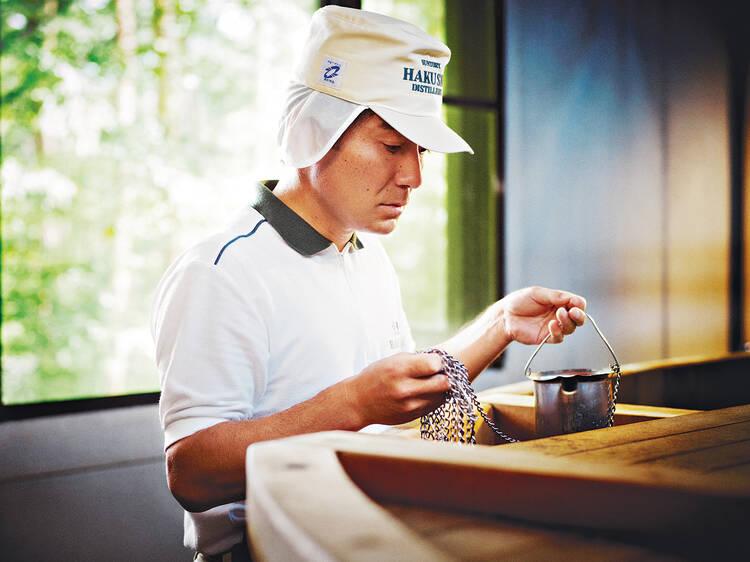 Faça uma peregrinação de whisky japonês na destilaria de Hakushu