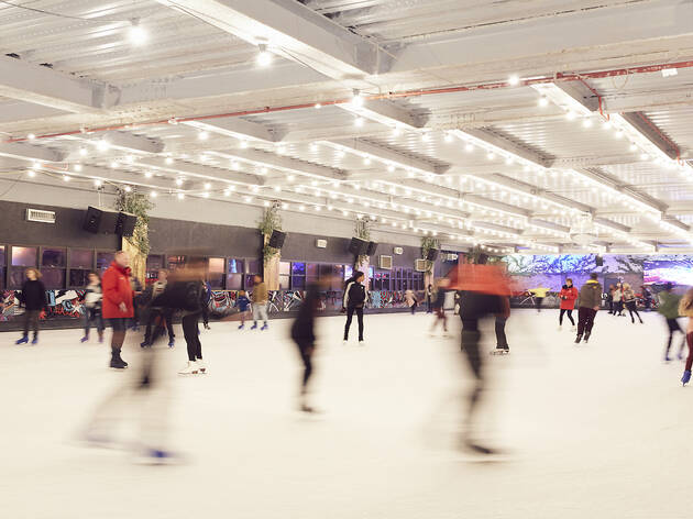 Just £5 to skate and bowl at QUEENS
