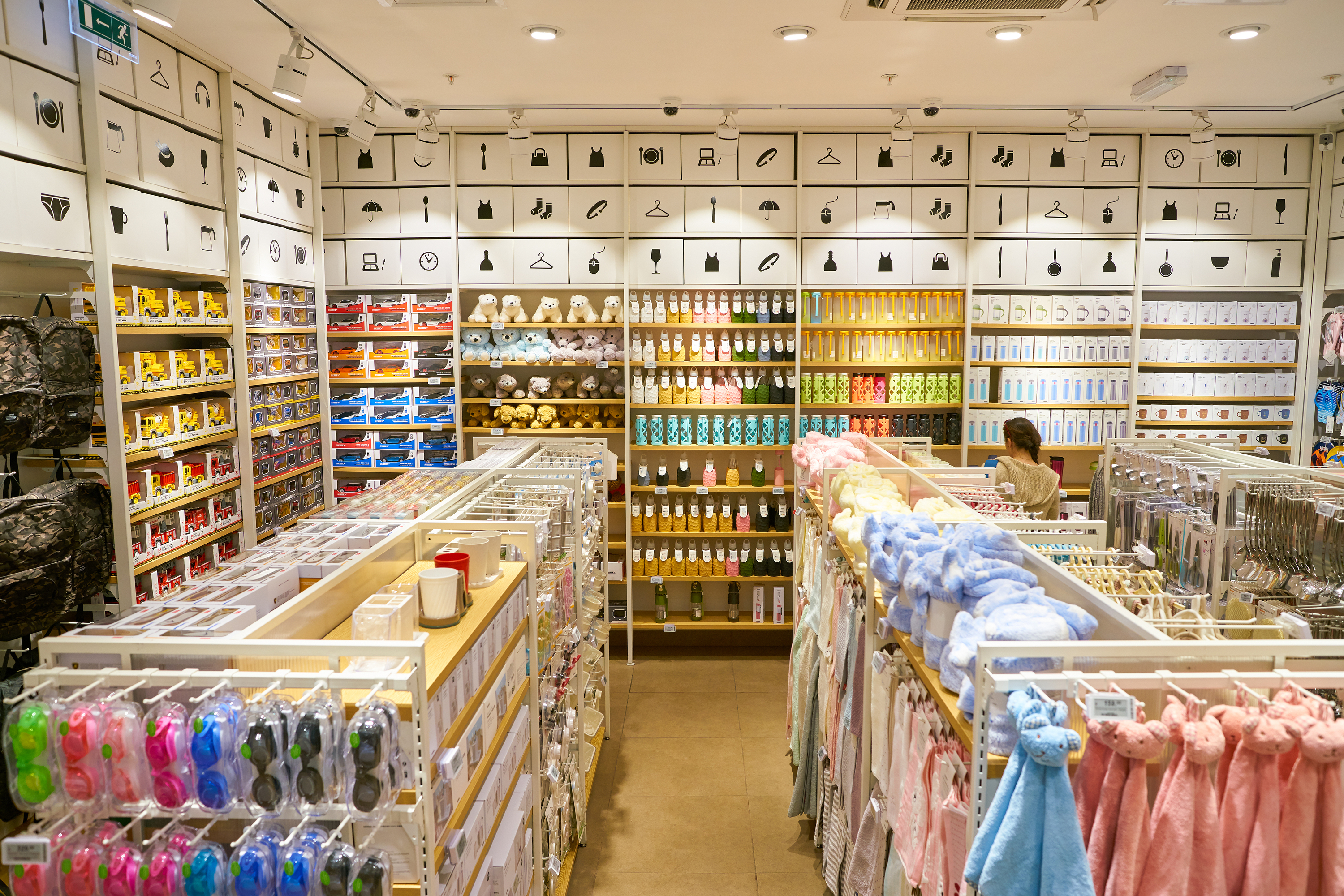 Best places for cheap shopping in Hong Kong