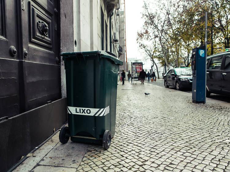 """Porque é que os homens do lixo  são """"Almeidas""""?"""