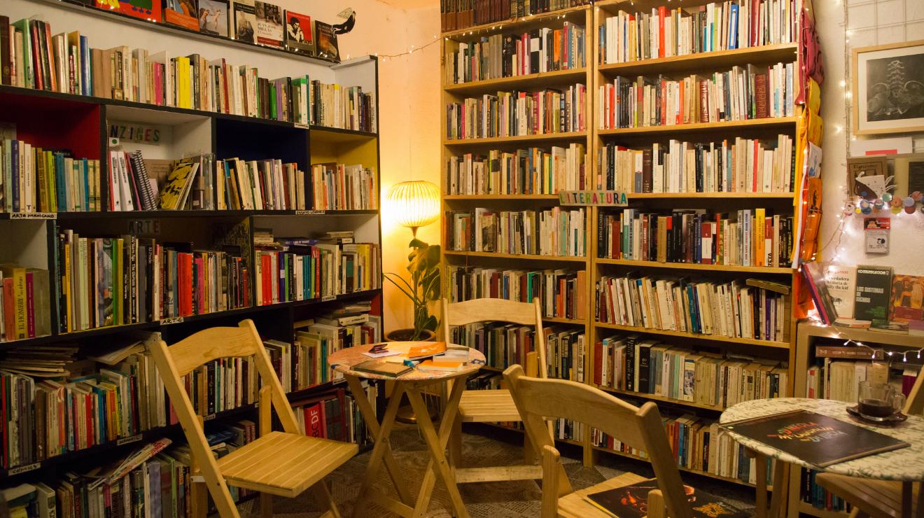 Rinoceronte: una librería, cafetería y tienda de viniles en el centro de Tlalpan