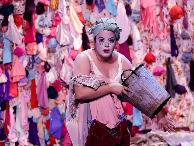 DIRT! (mugre), el nuevo show clown de Gabriela Muñoz
