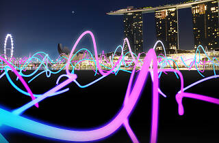 i light singapore, squiggle