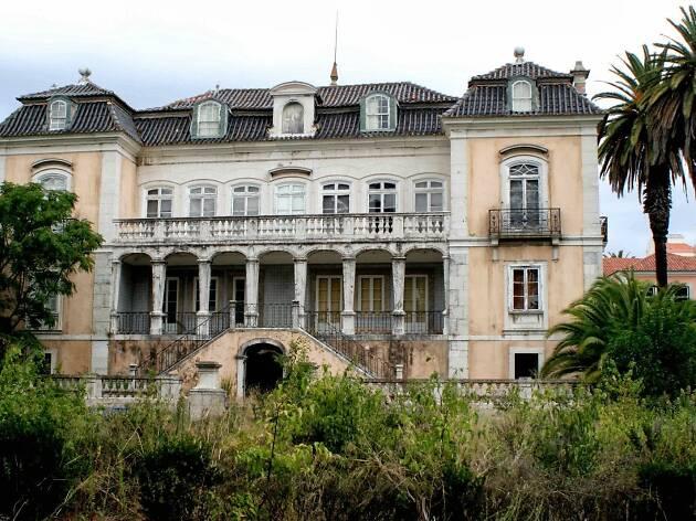 """'El País' recomenda cinco palácios para ver em Lisboa """"antes que caiam"""""""