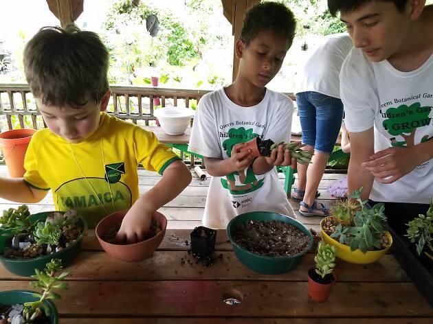 Queens Botanical Garden Camp