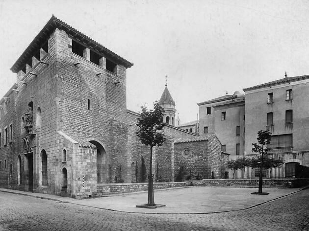 La Capella: 600 anys al Raval