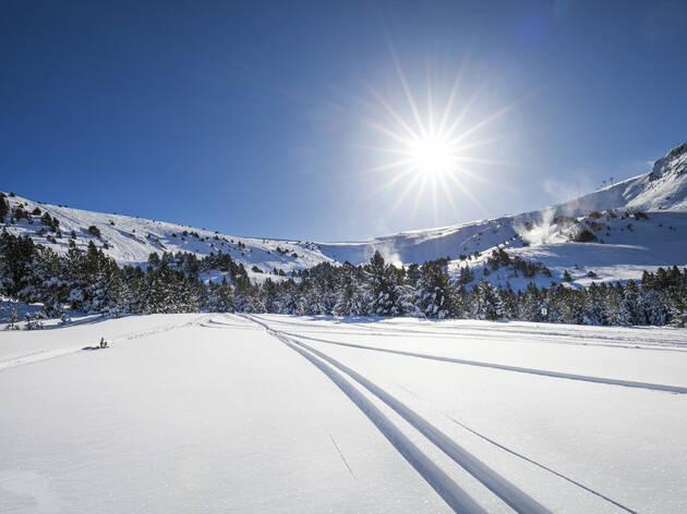 Sortegem 6 caps de setmana d'esquí!