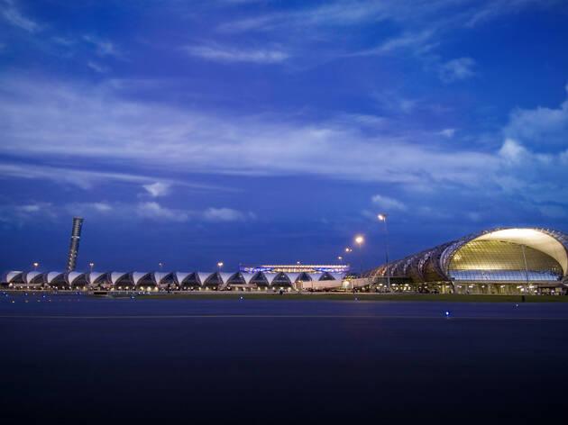 Suwannaphom Airport, Samut Prakarn *** Local Caption *** ʹÒÁºÔ¹ÊØÇÃóÀÙÁÔ ÊÁطûÃÒ¡ÒÃ