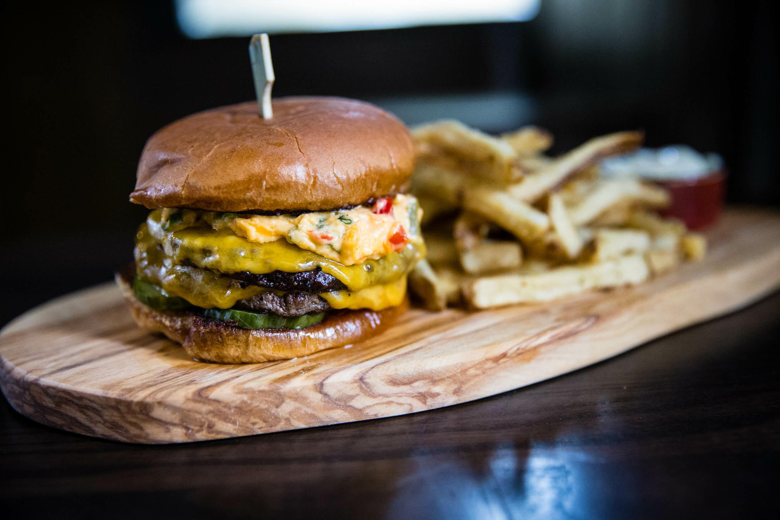 Swill Inn burger