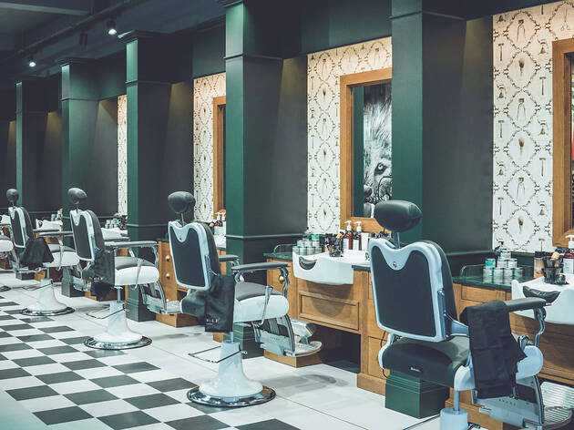 R.W.Wolf Barbers Cockfosters