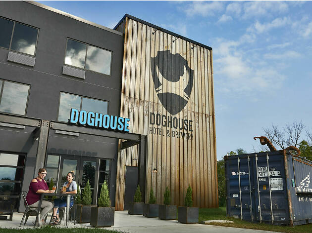 DogHouse beer hotel, Columbus, Ohio