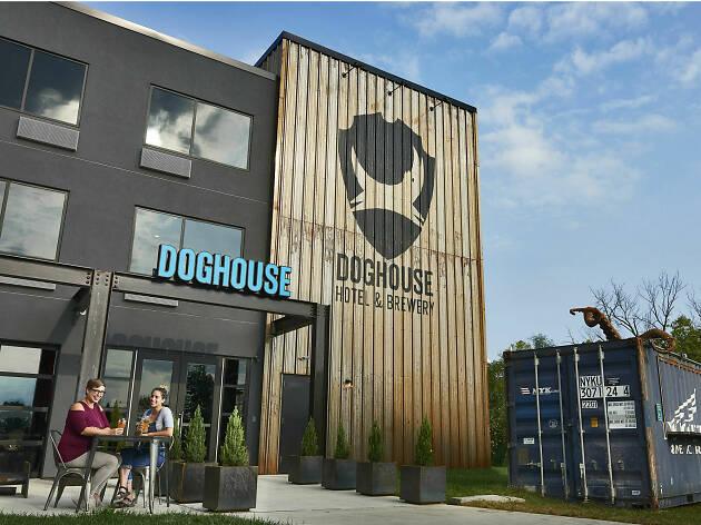DogHouse beer hotel, Columbus, Ohio