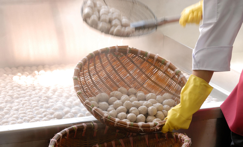 Making of Tai Po Chun Hing meatballs