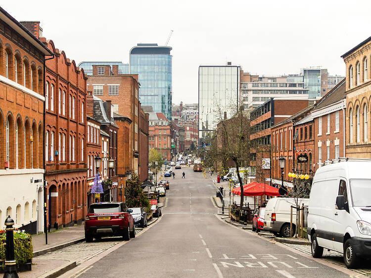 Discover city secrets on a walking tour