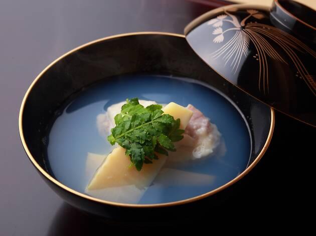 Giant Clam Dumpling Clear Soup