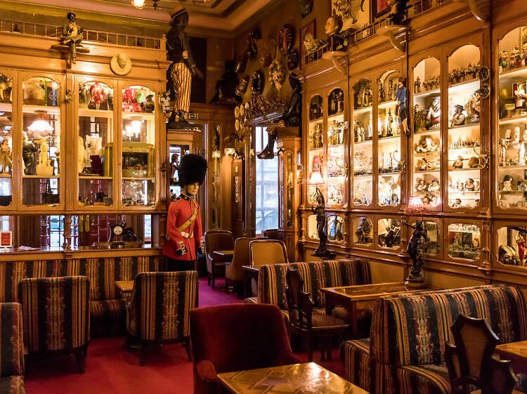 Os melhores bares históricos em Lisboa