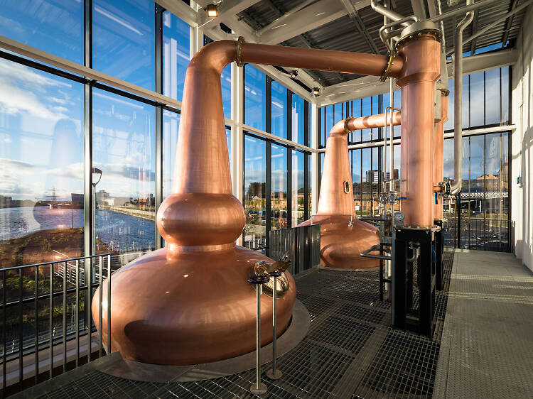 Wet your lips with single malt whiskey at Clydeside Distillery