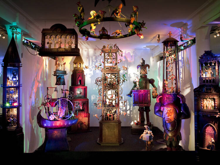 See some 'kinetic sculpture theatre' in Glasgow