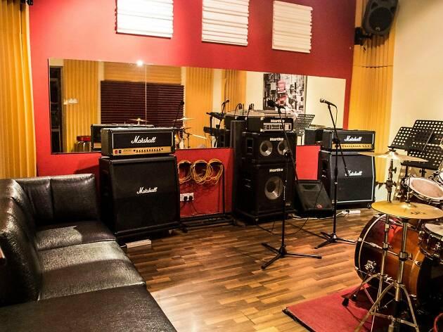 Live AMP Studios
