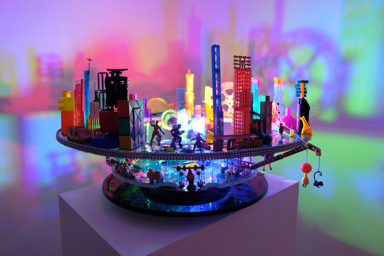 City Rhapsody, Angela Yuen