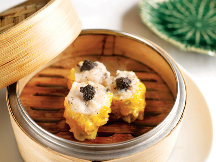 Tuck into Michelin-starred Chinese fare at Duddell's