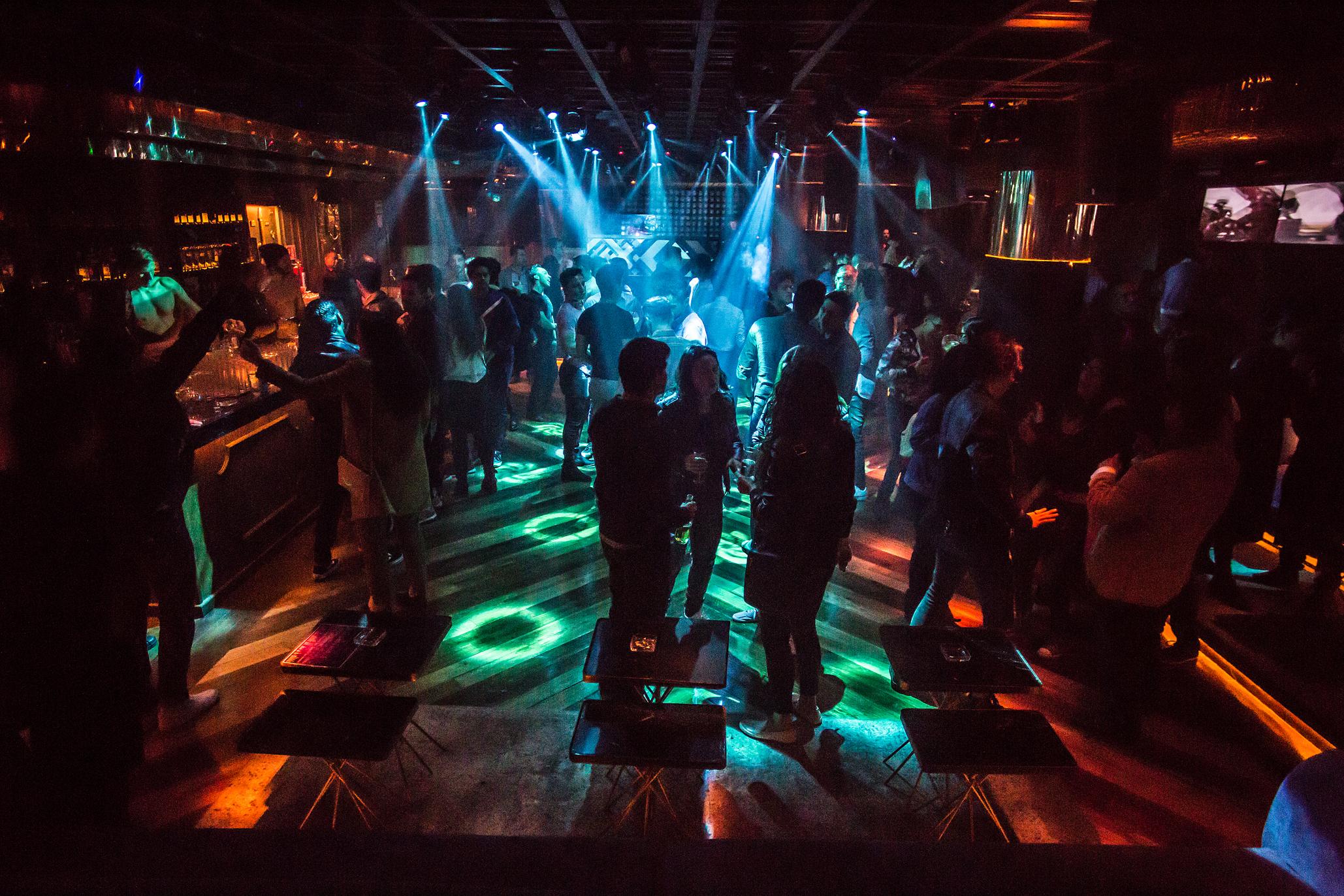 Discoteca, el nuevo antro gay para salir los viernes