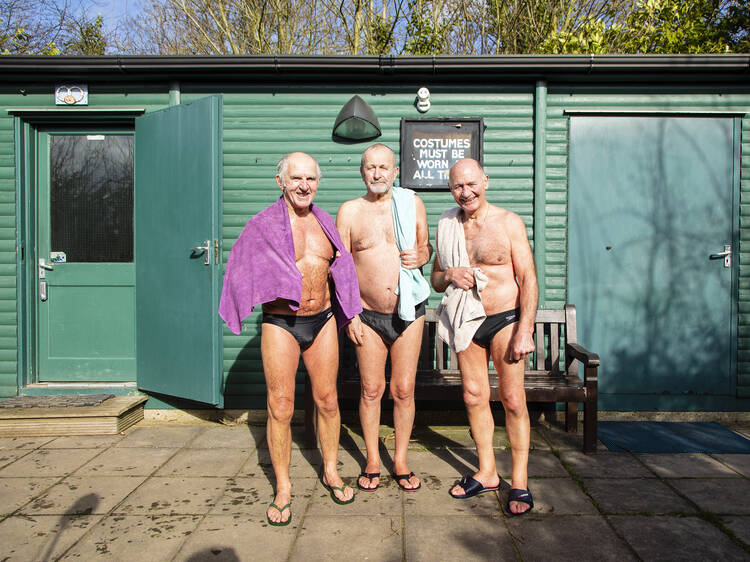 The cold-water swimmers
