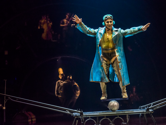(Martin Girard, Costumes: Philippe Guillotel © 2014 Cirque du Soleil)