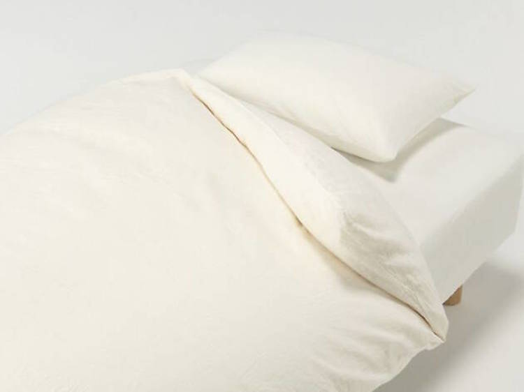 The fitted sheet