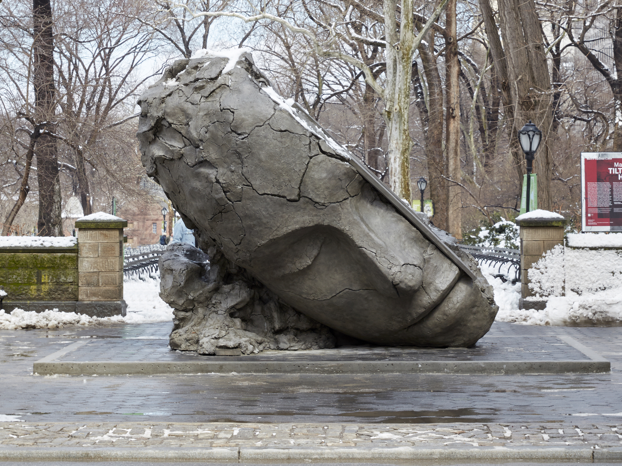 Mark Manders talks about Tilted Head at Central Park