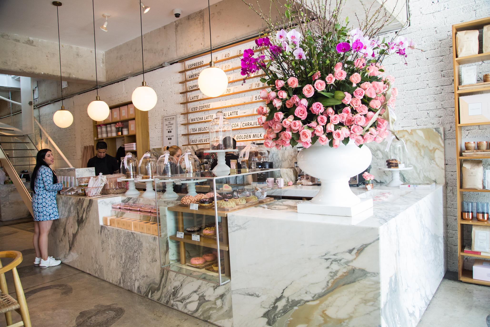 Flora Caffé, la cafetería más rosa en Santa Fe